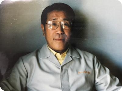 井上茂男氏